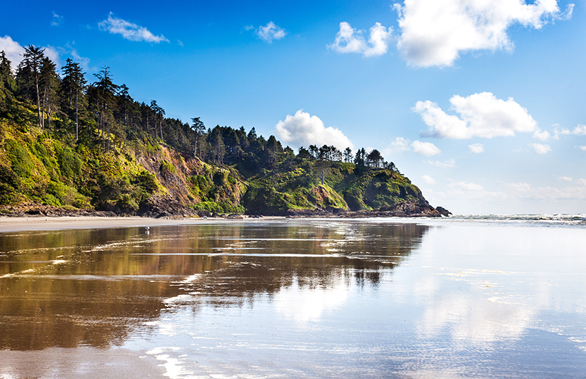 Top cost effective beach vacation spot is Long Beach in Washington