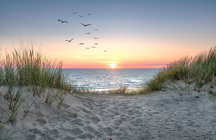 Relaxing summer vacation destination locations in the United States